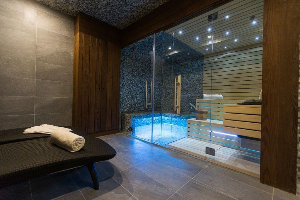 Hotel Crikvenica – Paket u listopadu, Crikvenica, Hrvatska – 1.255 HRK – 2x noćenje u dvokrevetnoj Standard sobi s pogledom na grad za 2 osobe, 2x polupansion za 2 osobe