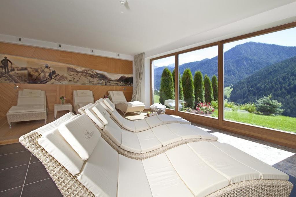 """Bella Vista Hotel Emma – Wellness i skijanje u Dolomitima, San Vigilio di Marebbe, Italija – 4.729 HRK – 3x noćenje s polupansionom u Alpine Comfort sobi za 2 osobe, Alpski """"Pleasure-Seeker"""" paket"""