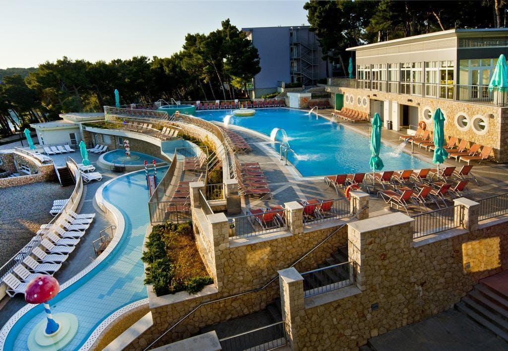Family Hotel Vespera – Wellness odmor u svibnju, Mali Lošinj, Hrvatska – 1.359 HRK – 2x noćenje s polupansionom za 2 osobe (1 dijete do 6,99 godina besplatno), Program aktivnosti i večernji animacijski program za djecu i odrasle