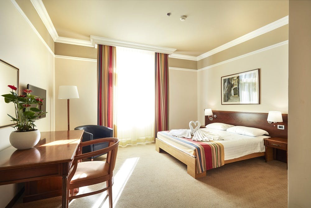 Hotel Bristol i Astoria – Odmor u Opatiji, Opatija, Hrvatska – 902 HRK – 1x noćenje u dvokrevetnoj sobi za 2 osobe, 1x polupansion (buffet doručak i večera) za 2 osobe