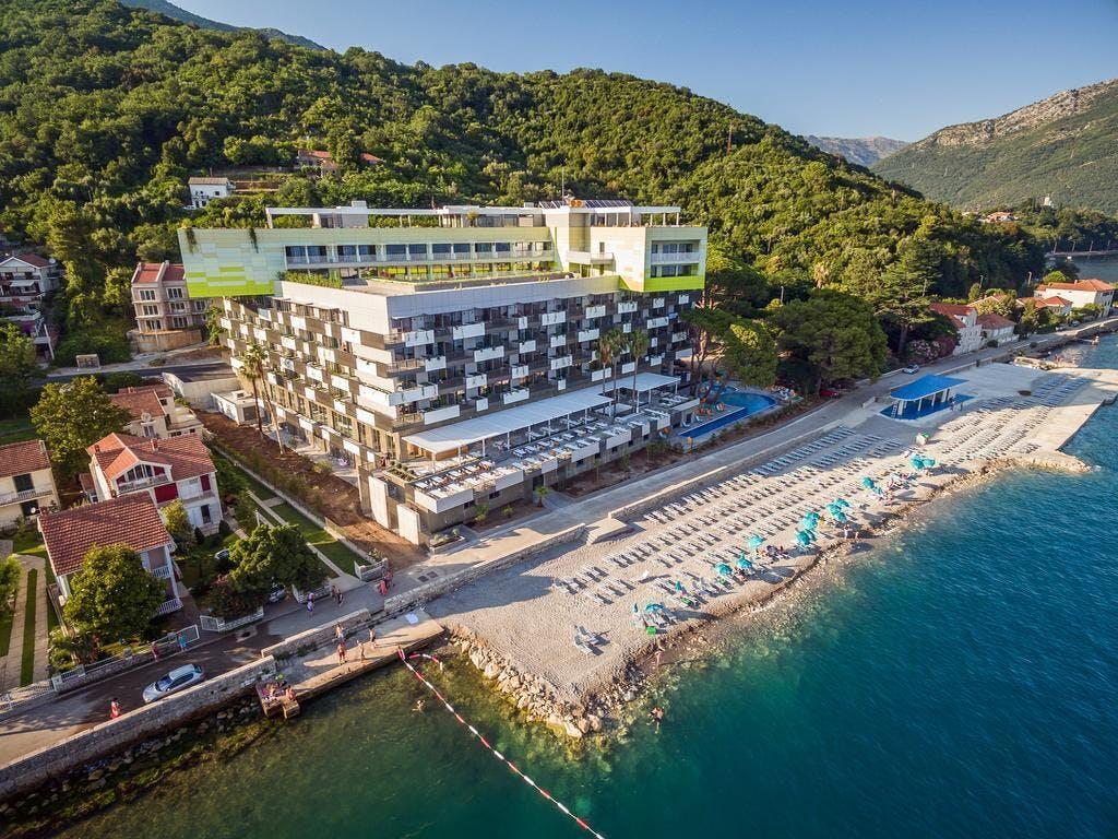 Hotel Park Bijela, Bijela, Crna Gora – 2.449 HRK – 2x noćenje u dvokrevetnoj sobi pogled planine za 2 osobe, 2x all inclusive za 2 osobe