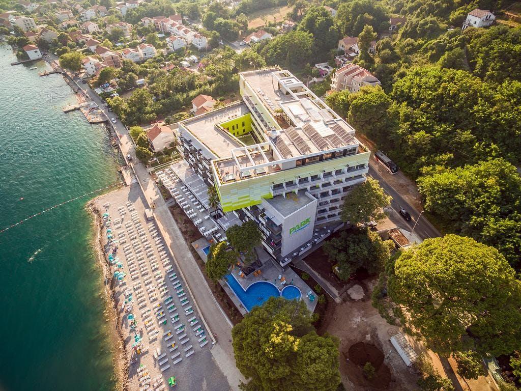 Hotel Park Bijela, Bijela, Crna Gora – 6.671 HRK – 5x noćenje u dvokrevetnoj sobi pogled planine za 2 osobe, 5x all inclusive za 2 osobe