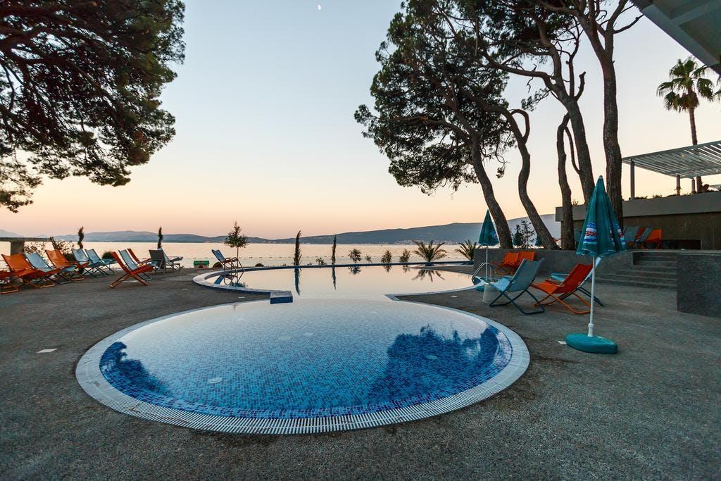 Hotel Park Bijela, Bijela, Crna Gora – 2.672 HRK – 2x noćenje u dvokrevetnoj sobi pogled planine za 2 osobe, 2x all inclusive za 2 osobe