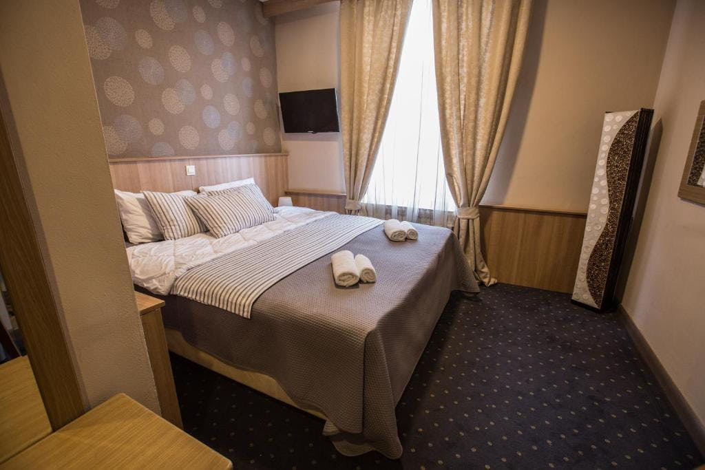 Hotel Admiral Vinkovci – Odmor u Slavoniji, Vinkovci, Hrvatska – 699 HRK – 2x noćenje u dvokrevetnoj sobi za 2 osobe, 2x polupansion za 2 osobe