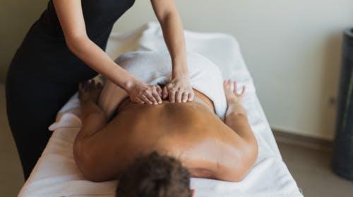 Hotel Trakošćan – Opuštanje s masažom tijekom tjedna, Trakošćan, Hrvatska – 1.099 HRK – 2x noćenje u dvokrevetnoj Standard sobi za 2 osobe, Doručak